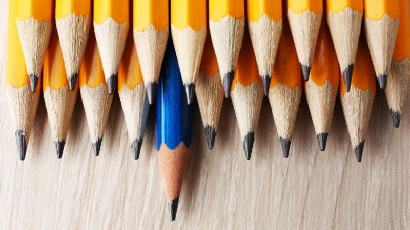 20160120174830-individuality-pencils-leadership-concept-standout-sharp-distinctive
