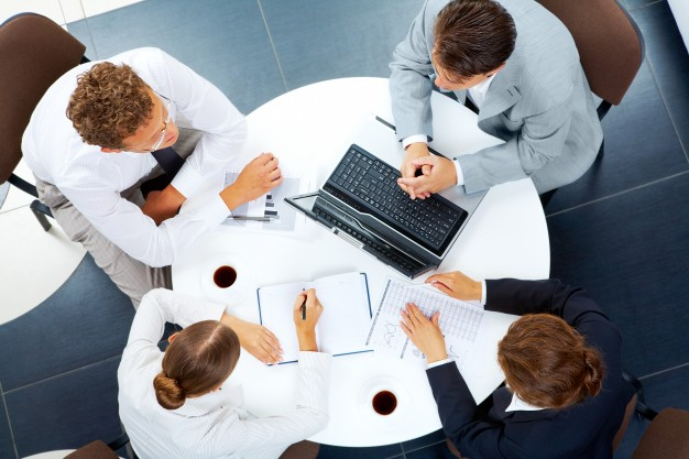 company-keyboard-teamwork-together-interaction_1098-5864