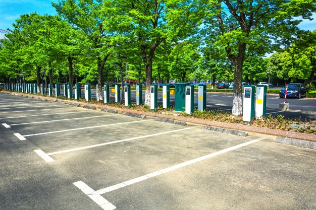 electric-vehicle-parking_1127-3302