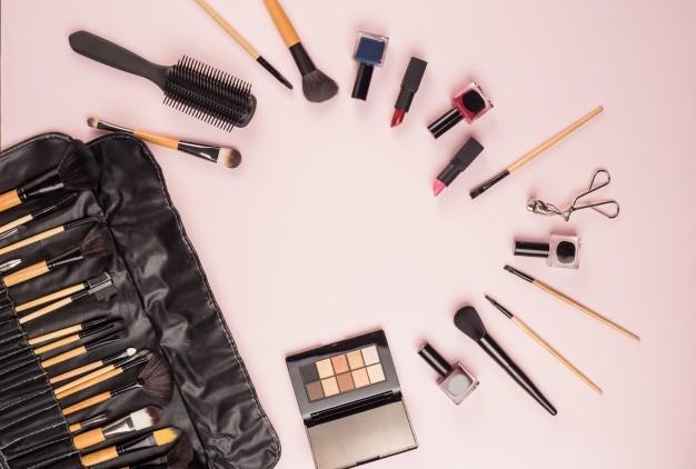 make-up-brushes_1088-842