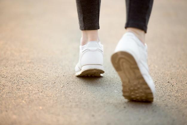 running-feet_1163-3112