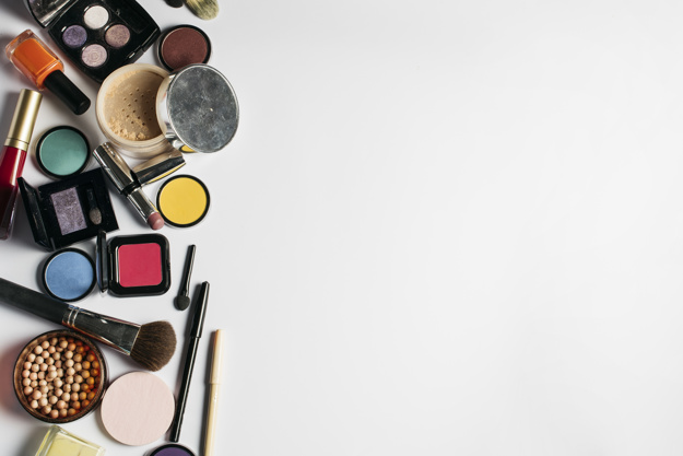 cosmetics-composition-with-space-on-right_23-2147692201