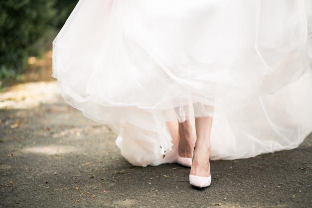 wedding-shoes_1303-4521