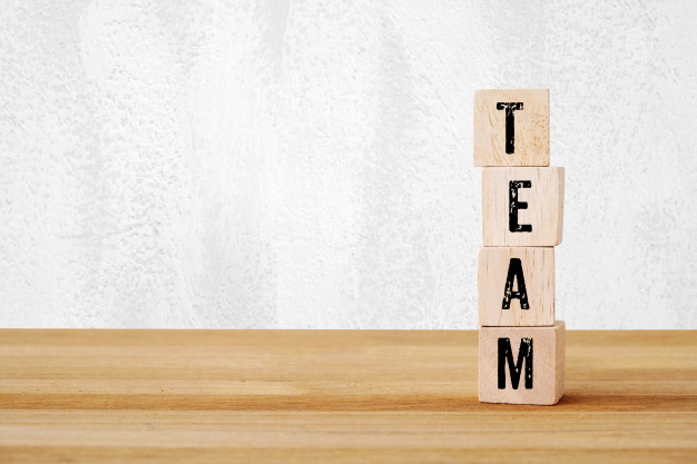 team-word-on-wooden-cubes_7190-746