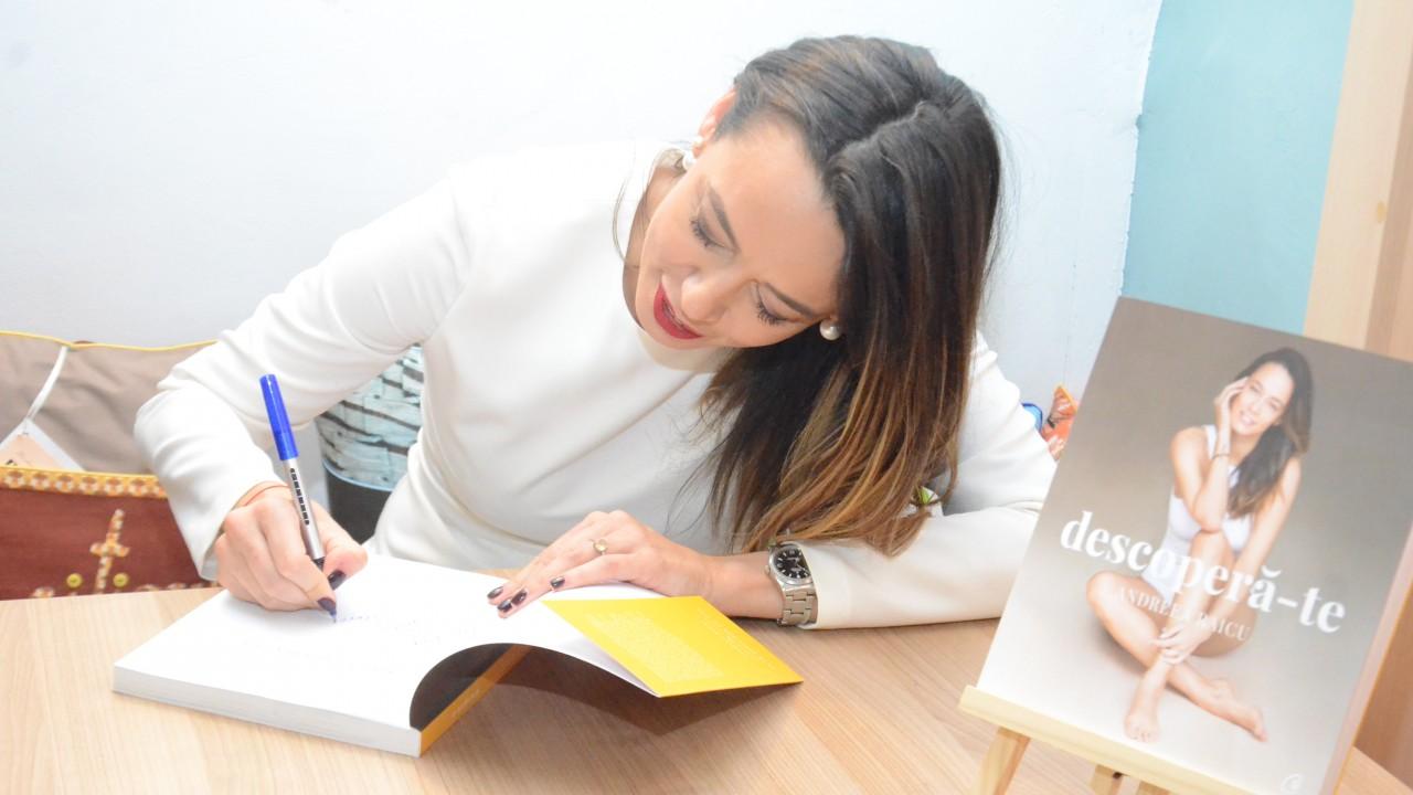 Lansare carte Andreea Raicu 15 decembrie 2018 (132)