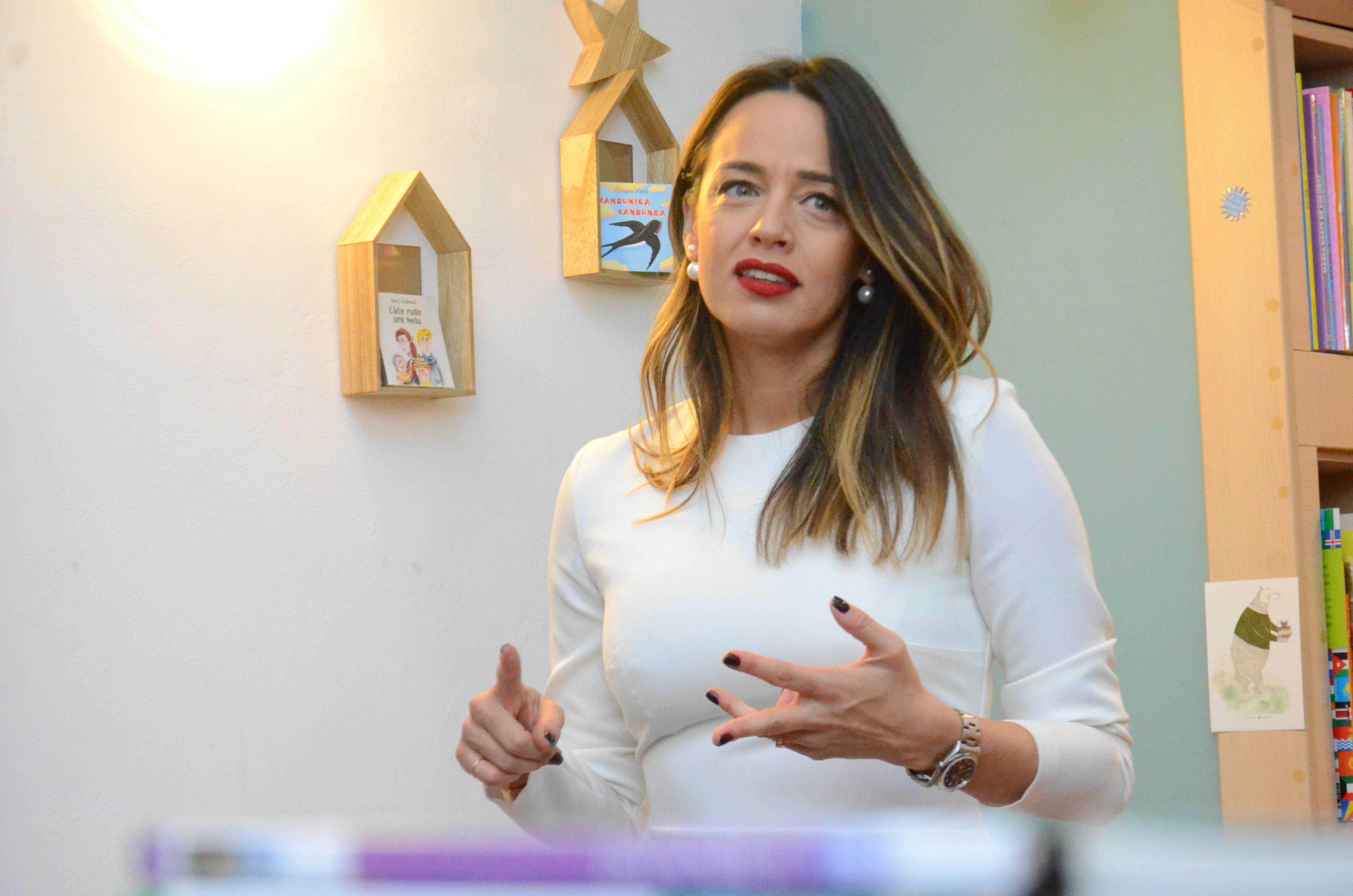 Lansare carte Andreea Raicu 15 decembrie 2018 (4)