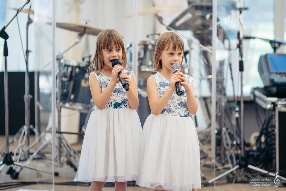 Cele doua fetite ale Mirabelei Miron