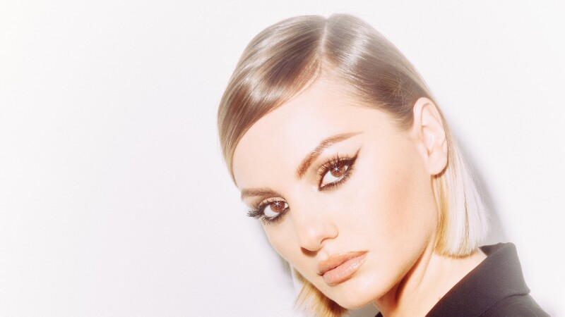 Alexandra Stan x The Woman (5)