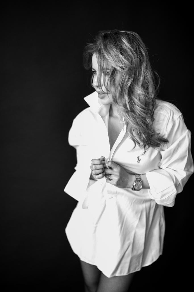 Izabela Corina Juncu, Fondator Notorious Stories x The Woman (2)