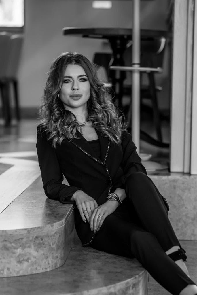Izabela Corina Juncu, Fondator Notorious Stories x The Woman (7)
