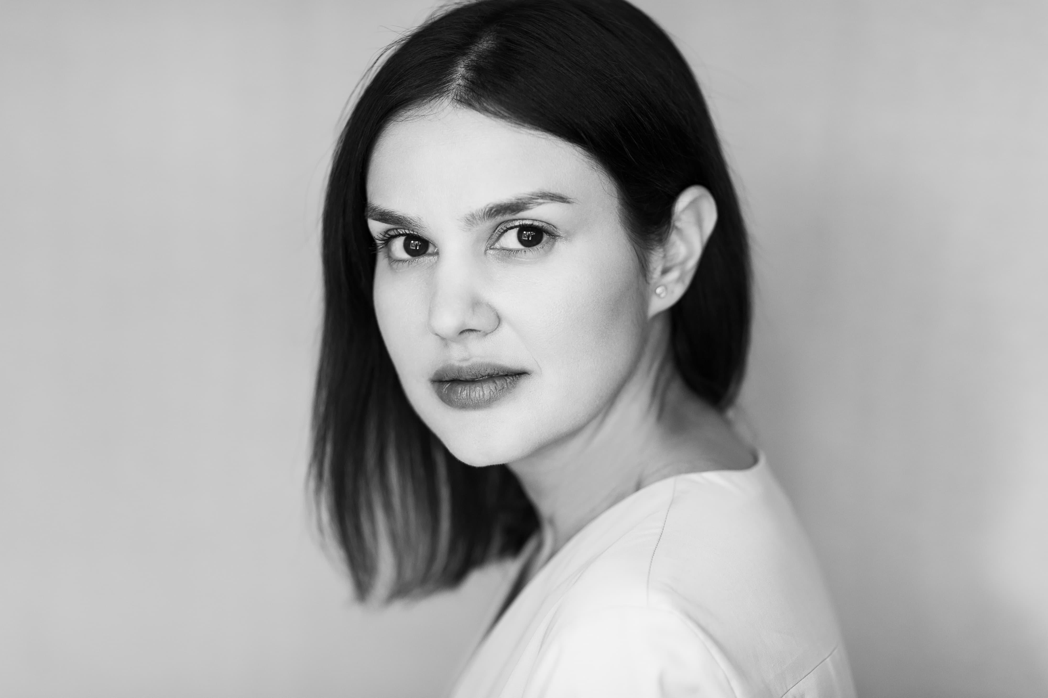 Mara Coman @Harper's Bazaar x The Woman 1