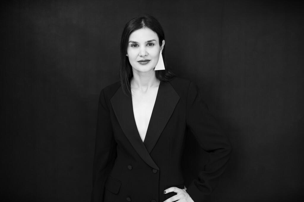 Mara Coman @Harper's Bazaar x The Woman 6
