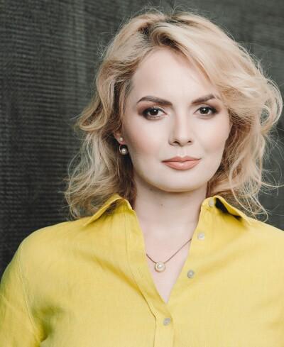 Mihaela Ganciu @Caracteristic x The Woman 3