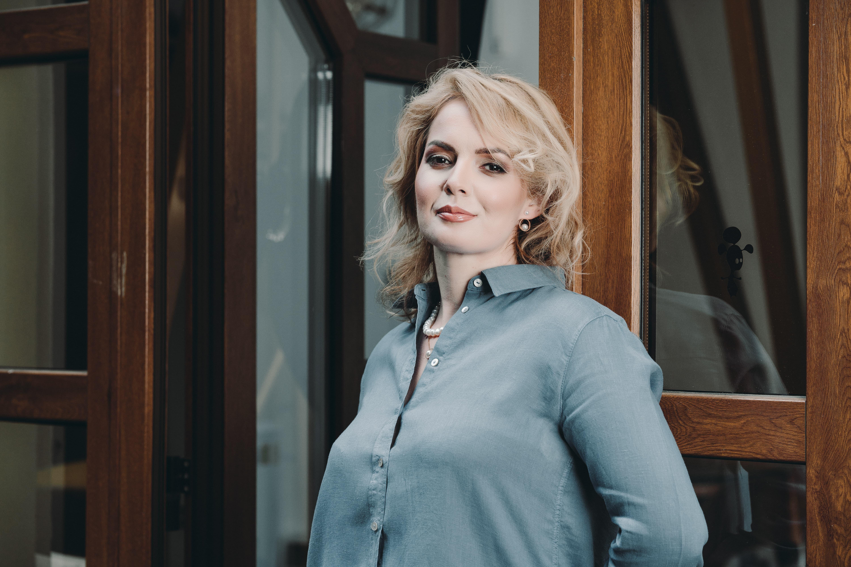 Mihaela Ganciu @Caracteristic x The Woman 5